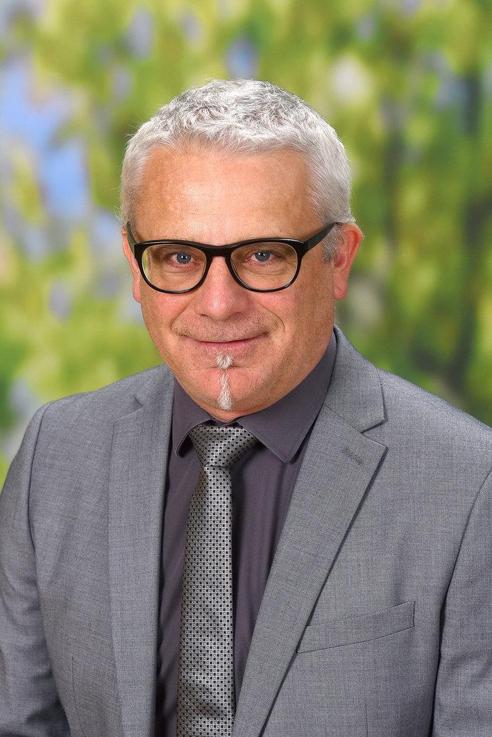 Dir. Mag. Reinhard Pöllabauer